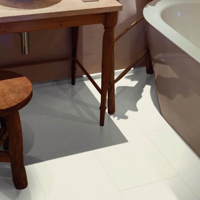 pavimento de vinilo blanco para baño