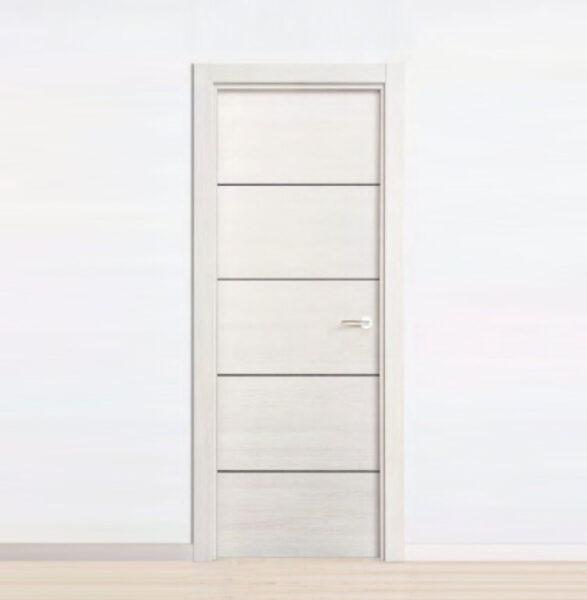 puerta laminada efecto fresno con 4 ranuras