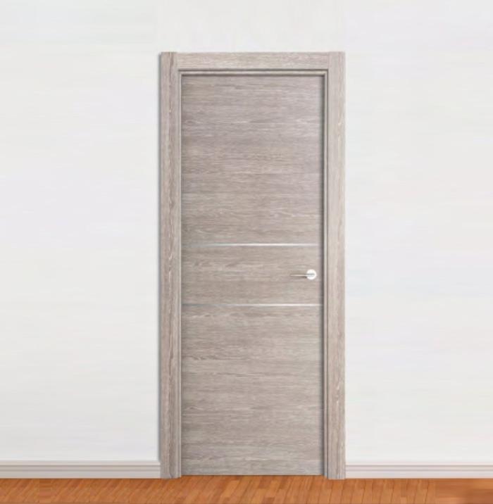 puerta laminada gris con 2 inserciones de aluminio