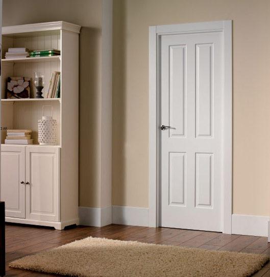 Puerta interior lacada de estilo clásico
