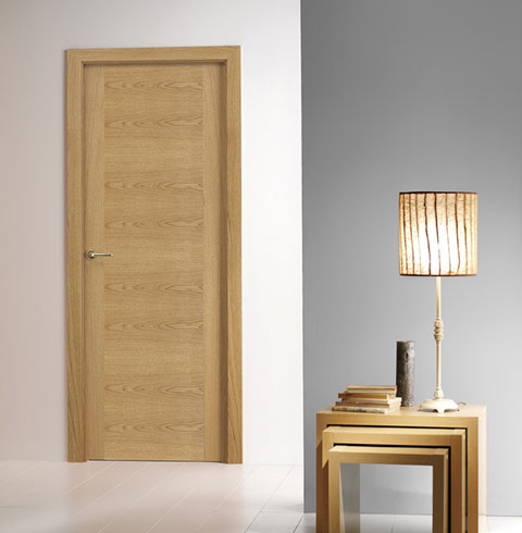 Puerta laminada efecto madera clara