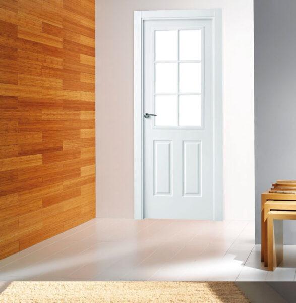 puerta vidriera lacada de estilo clásico