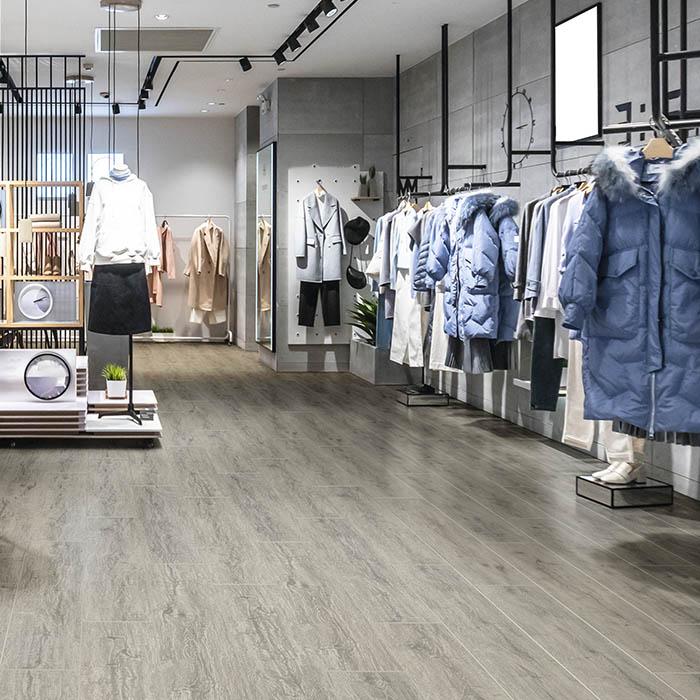 suelo vinilico madera gris