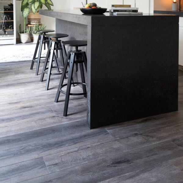 suelo vinílico oscuro cocina
