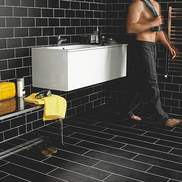 suelo vinilico oscuro para baño