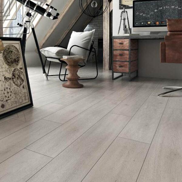 suelo laminado gris